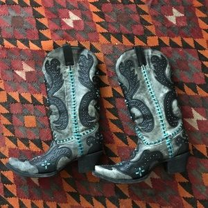 Awesome RARE Corral studded stitch boot